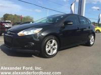 2013 Ford Focus Hatchback SE. +++ Carfax Certified One