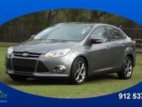 2013 Ford Focus SE lets you cart everyone and