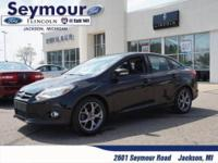 2.0 l Ford Focus, Leather heated power seats, Air,