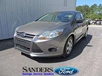 This Ford Focus has a strong Gas I4 2.0L/122 engine