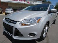 2013 Ford Focus SE with only 7 K miles!! Clean Title!!