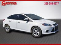 Oxford White 2013 Ford Focus SE FWD 5-Speed Manual 2.0L