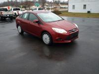 Options:  2013 Ford Focus Se|Red/|V4 2.0L |32423