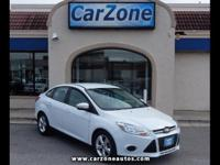 2013 FORD FOCUS SE SEDAN - Oxford White with Gray