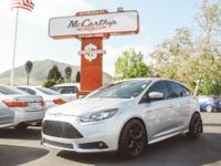 Options:  2013 Ford Focus St|Carfax One-Owner. Gray