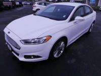 2013 Ford Fusion SE with Leather/heated seats and