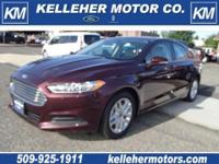 2013 Ford Fusion SE Ecoboost - really clean inside and