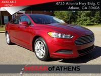 Come see this 2013 Ford Fusion SE. Its transmission and