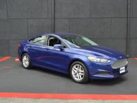 This 2013 Ford Fusion 4dr 4dr Sedan SE FWD features a