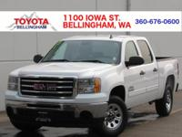 CREW CAB * CLEAN CARFAX * 5 1/2 FT BOX * BED LINER *