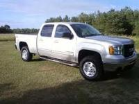 VERY NICE AND CLEAN CREW CAB TRUCK  QUICK SILVER