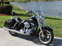 2013 Harley Davidson Dyna Switchback FLD VERY LOW MILES