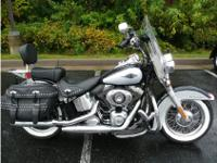 Cruiser Motorcycle, Midnight Pearl/Brilliant Silver,