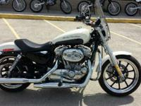 2013 Harley-Davidson Sportster 883 SuperLow LIKE NEW!