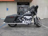 2013 Harley-Davidson Street Glide LOW MILE STRONG &