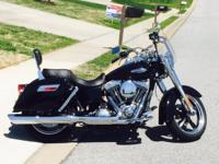 LIKE NEW - BLACK - 2013 Harley Davidson - DYNA -