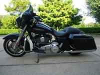 Streetglide with just 1K miles. As you probably know
