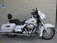 2013 Harley-Davidson Ultra Classic Electra Glide TONS
