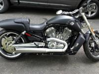 2013 Harley Davidson VRSCF V-Rod Muscle. MUST SELL ALL