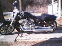 2013 Harley Davidson VRSCF V Rod Muscle. Like new-