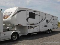 '13 Heartland Bighorn 3855FL 5th Wheel, 5 slide, 50 amp