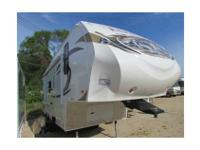 NEW 2013 Elkridge Express E22 5th Wh 26ft Camp Kitchen
