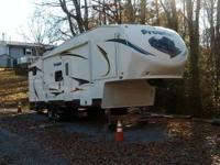 Heartland RV Prowler 29 ft. PFBS Sleeps 9 Bunk House