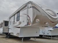 Take benefit of this remaining BLOWOUT PRICES camper !!
