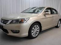 Exterior Color: champagne frost pearl, Body: Sedan,