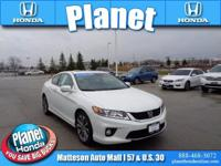 MOONROOF - LEATHER - Certified. CARFAX One-Owner.