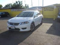 2013 Honda Accord***backup camera***good gas