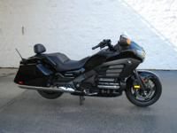 2013 Honda Goldwing F6B DELUXE (BLACK) 23,258 MILES