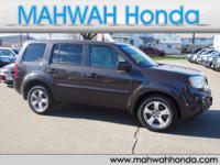 Exterior Color: dark amber metallic, Body: SUV, Engine: