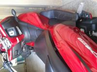 Red honda 150 scotter great for town has 101 miles on