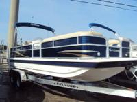 Selling a 2013 Hurricane 226 Loaded with: Livewell