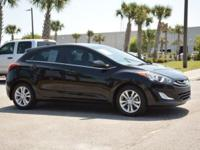 FUEL EFFICIENT 37 MPG Hwy/27 MPG City! CARFAX 1-Owner,