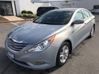 Ideal Buick Inc. is excited to offer this 2013 Hyundai