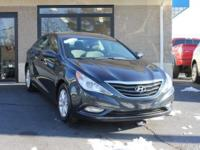 CLEAN CARFAX ON THIS BEAUTIFUL, AFFORDABLE TRADE!!