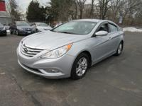 This 2013 Hyundai Sonata Limited w/Wine Int is Well