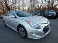 CARFAX One-Owner. Silver Frost Metallic 2013 Hyundai