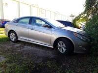 Scores 40 Highway MPG and 36 City MPG! This Hyundai