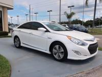 CARFAX One-Owner. Clean CARFAX. Certified. 2013 Hyundai