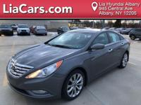 2013 Hyundai Sonata SE FWD 6-Speed Automatic with