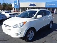 Come see this 2013 Hyundai Tucson GLS. Its Automatic