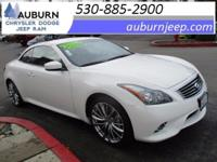 LEATHER, BACKUP CAMERA, NAVIGATION SYSTEM! This 2013