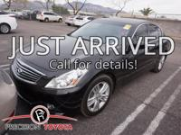 **One Owner**, -Clean Carfax-, -Leather-, -Moonroof-,