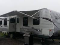 2013 Jayco JayFlight 33RLDS. Like new smoke free