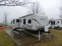 2013 JAYCO JAYFLIGHT 33RLDS LIKE NEW This camper has