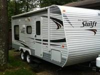 2013 jayco swift. Queen bed, sofa, dinette, full bath