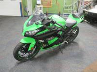 SUPER CLEAN 2013 KAWASAKI NINJA 300 ABS SE! Features